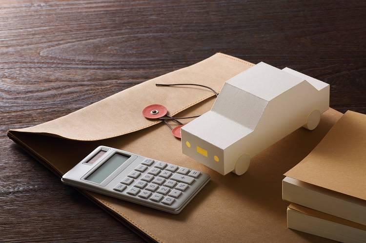 任意保険の加入のポイントと安くする方法は?