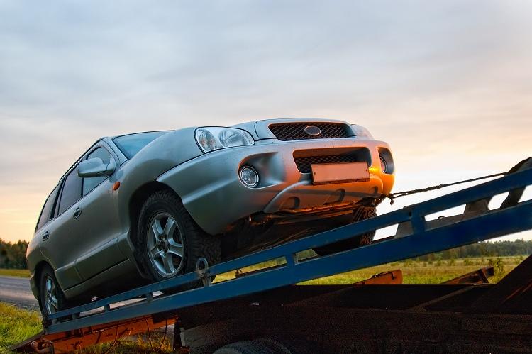 【体験談】一目惚れした新車を納品翌日に事故車にされた話